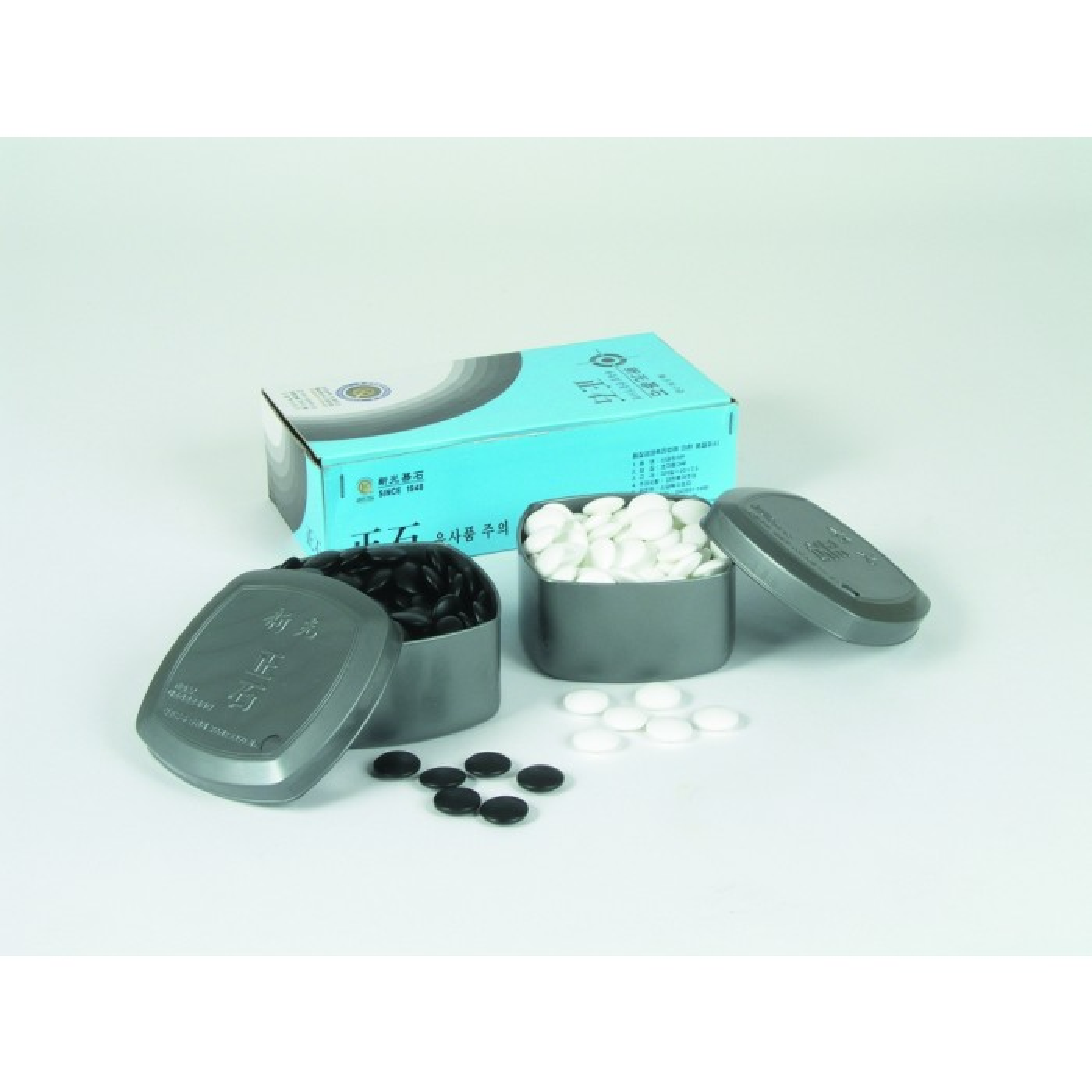 Go-Spielsteine aus Glas Set schwarz und weiß